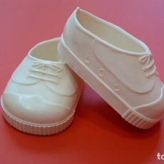 Muñecas Nancy y Lucas: NANCY ZAPATILLAS BLANCAS. Lote 195053092