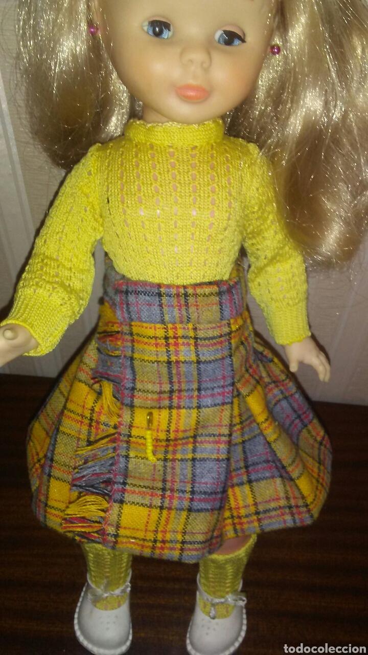 Muñecas Nancy y Lucas: Conjunto de falda tableada con alfiler +jersey y calcetines Nancy .La muñeca no entra en el lote . - Foto 3 - 199081345