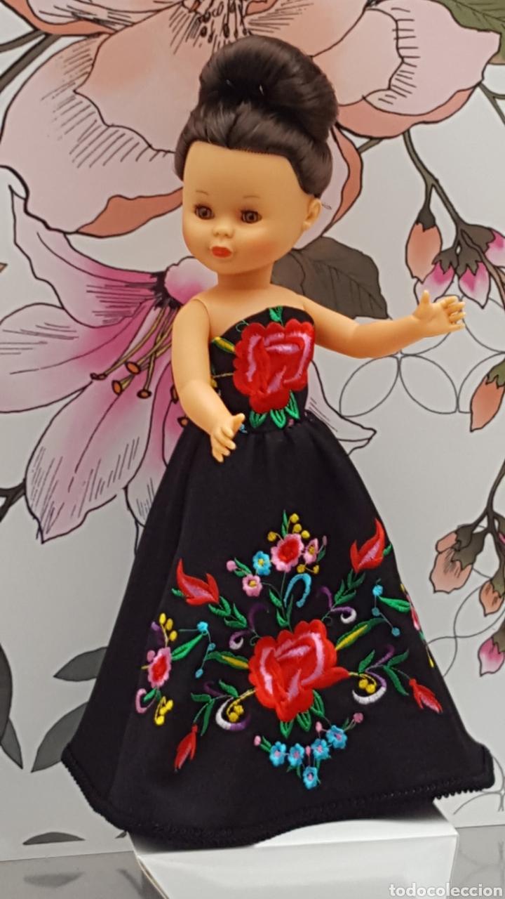 Muñecas Nancy y Lucas: Vestido bordado y mantoncillo para Nancy - Foto 3 - 199338573