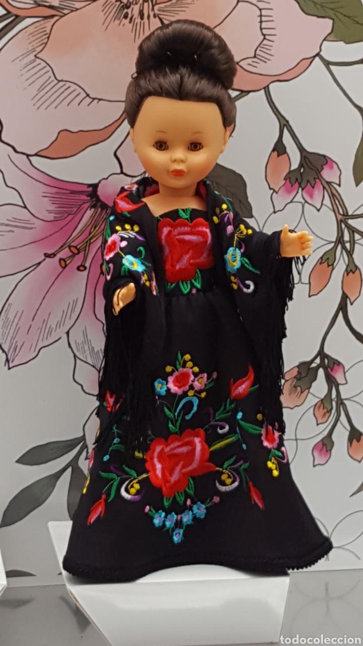 VESTIDO BORDADO Y MANTONCILLO PARA NANCY (Juguetes - Muñeca Española Moderna - Nancy y Lucas, Vestidos y Accesorios)