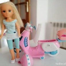 Muñecas Nancy y Lucas: NANCY CON MOTO SCOOTER ROSA. Lote 204072123