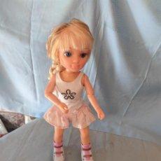 Muñecas Nancy y Lucas: NANCY PATINADORA CON LUCES Y SE MUEVE SOLA. Lote 207542440