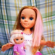 Muñecas Nancy y Lucas: NANCY NEW PELIRROJA CON MECHAS ROSAS CON SU BEBÉ MUÑECA DE FAMOSA. Lote 213937891