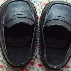 Muñecas Nancy y Lucas: NANCY: ZAPATOS MOCASIN NEGROS DE NANCY O LUCAS AÑOS 70. Lote 226371335