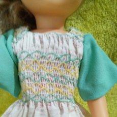 Muñecas Nancy y Lucas: VESTIDO NIDO DE ABEJA PARA NANCY AÑOS 70. Lote 228539445