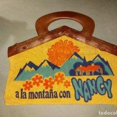 Muñecas Nancy y Lucas: BOLSO DE NANCY EN LA PLAYA Y EN LA MONTAÑA - AÑOS 70 - NUEVO A ESTRENAR. Lote 235277450