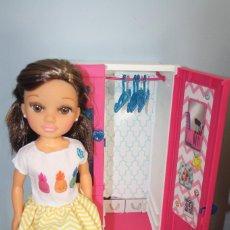 Muñecas Nancy y Lucas: NANCY CON ARMARIO. Lote 252927060