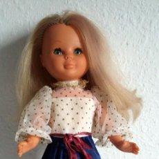 Muñecas Nancy y Lucas: NANCY MAQUILLAJE AÑOS 80 ZAPATOS DORADOS BOTON. Lote 253098345