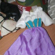 Muñecas Nancy y Lucas: VESTIDO ORIGINAL MUÑECA ESMERALDA BARBIE DISNEY. Lote 263042895