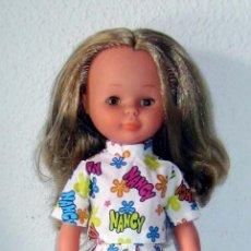 Muñecas Nancy y Lucas: NANCY VESTIDO ESTAMPADO CON EL NOMBRE DE NANCY, 2 PIEZAS. Lote 263053420