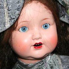 Muñecas Porcelana: ANTIGUA MUÑECA MARCADA EN LA NUCA SB O SP. Lote 31032379