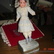 Muñecas Porcelana: PEQUEÑA MUÑECA DE PORCELANA, CABEZA DE PORCELANA, MARCADA, SIN PELOS HEUBACH KOPPERLDORF 250-13/0. Lote 36848994
