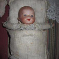 Muñecas Porcelana: PRECIOSO BEBÉ - MUÑECA DE PORCELANA. Lote 53088931