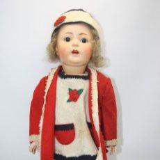 Muñecas Porcelana: MUÑECA ANDADORA. SIMON HALBIG. CUERPO DE MADERA. FUNCIONA. AÑOS 20/30. Lote 43329627