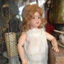 Muñecas Porcelana: PRECIOSA MUÑECA MUY ANTIGUA DE PORCELANA Y CARTÓN PIEDRA. Lote 85980292
