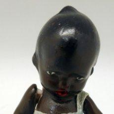 Muñecas Porcelana: MUÑECO NEGRO NEGRITO PORCELANA PINTADA AÑOS 40 7,5 CM ALTO. Lote 89744028