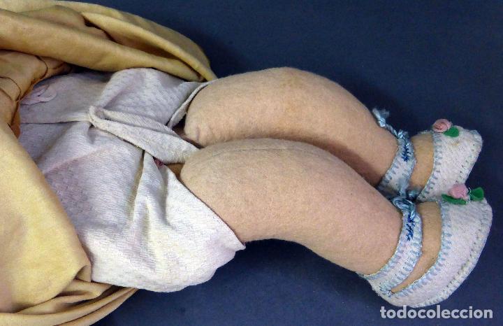 Muñecas Porcelana: Bebé alemán cabeza porcelana cuerpo trapo marca nuca Germany M 11 nº 3 CC 50 cm alto ropa original - Foto 5 - 103283671