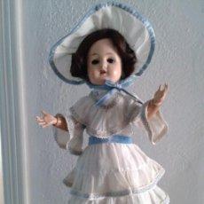 Muñecas Porcelana: MUÑECA DE PORCELANA ANTIGUA , ANCLA ,FIRMADO EN LA NUCA ,COMPLETAMENTE VESTIDA ,TODO ORIGINAL. Lote 103642179