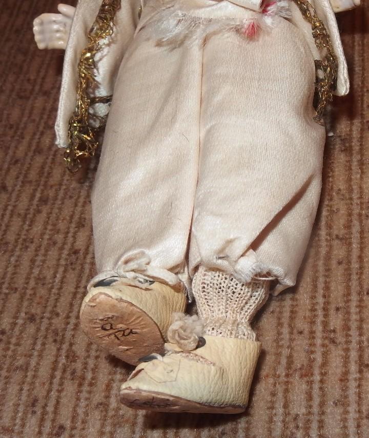 Muñecas Porcelana: MUÑECO CORTESANO,PORCELANA,G.KÜHNLENZ,GERMANY,SELLADO EN NUCA Y ZAPATOS,CAJA ORIGINAL,PPIO S.XX - Foto 5 - 104895191