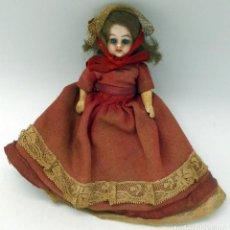 Muñecas Porcelana: MUÑECA CABEZA PORCELANA EXTREMIDADES COMPOSICIÓN OJO DURMIENTE ROPA ORIGINAL PP S XX CASA MUÑECAS. Lote 106730251