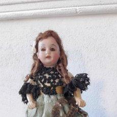 Muñecas Porcelana: MUÑECA ANTÍGUA. CABEZA DE BISCUIT. Lote 115891119