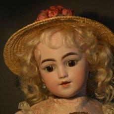 Muñecas Porcelana: ANTIGUA MUÑECA SIMON HALBIG 1249 MODELO SANTA. Lote 116423075
