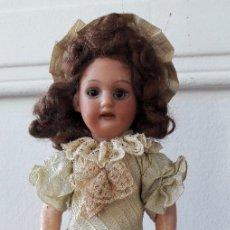 Muñecas Porcelana: MUÑECA PEQUEÑA ANTÍGUA. CABEZA DE BISCUIT.. Lote 116926595