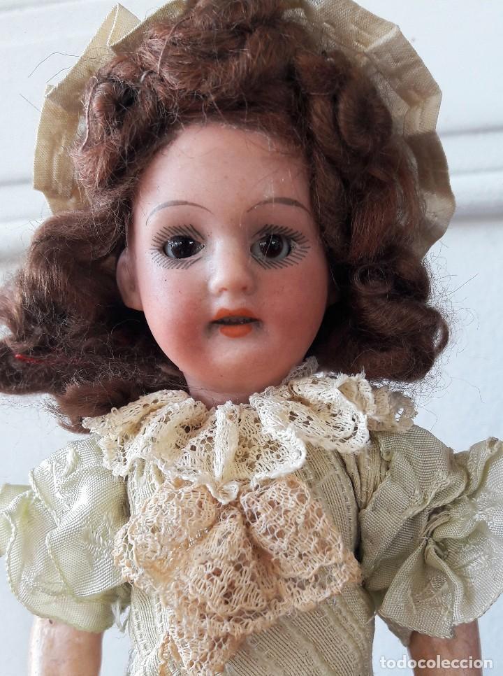 Muñecas Porcelana: Muñeca pequeña antígua. Cabeza de biscuit. - Foto 2 - 116926595