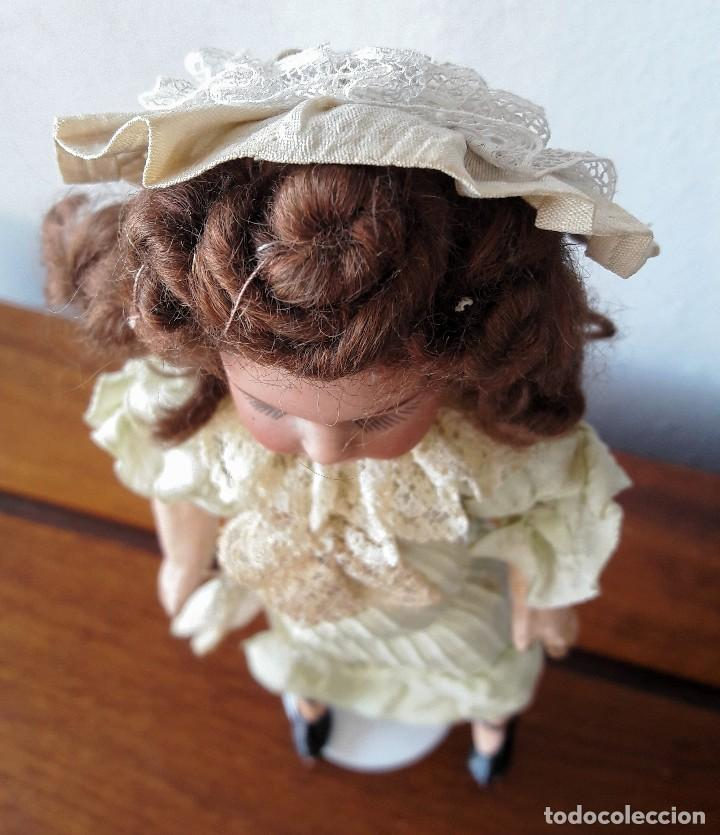 Muñecas Porcelana: Muñeca pequeña antígua. Cabeza de biscuit. - Foto 3 - 116926595