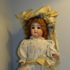 Muñecas Porcelana: BONITA MUÑECA CON CABEZA DE PORCELANA AÑOS 20- MARCAS EN LA NUCA 2/0 CABELLO DE MOHAIR, OJO DURMIEN. Lote 122597211
