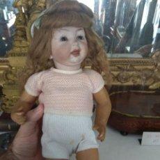 Muñecas Porcelana: ANTIGUA MUÑECA DE CARÁCTER PORCELANA - CARTÓN PIEDRA. Lote 127135679