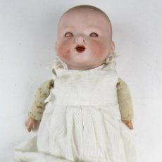 Muñecas Porcelana: MUÑECA CON CABEZA DE DE PORCELANA 35 CM. DE LARGO TOTAL. EN BUEN ESTADO.. Lote 133213054