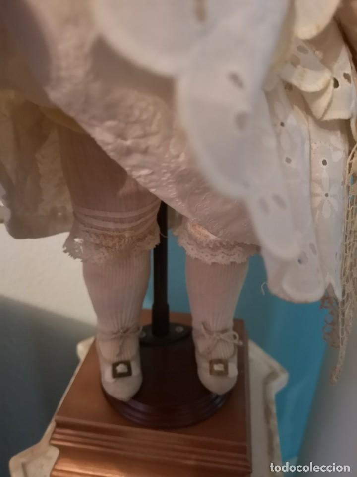 Muñecas Porcelana: IMPRESIONANTE MUÑECA DE PORCELANA ,MARCADA EN LA NUCA ,SIGLO XX ,CON ATUENDO ORIGINALES - Foto 6 - 142908870