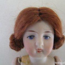Muñecas Porcelana: RARA PEQUEÑA MUÑECA ANTIGUA ALEMANA DE 12 CM. PORCELANA BISQUE 1900 LIMBACH MARCADA. Lote 143226826
