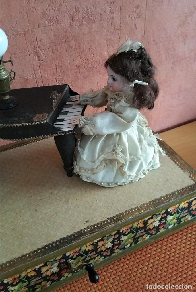 Muñecas Porcelana: ANTIGUO AUTOMATA ALEMANA CONCIERTO DE MUÑECAS 1900 - Foto 3 - 147369282