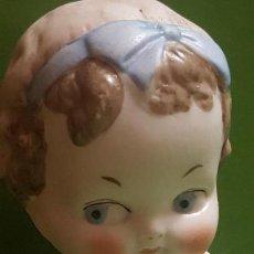 Muñecas Porcelana: ANTIGUA MUÑECA DE BISCUIT - POSIBLEMENTE ALEMANA - SIN MARCAS - BRAZOS MOVILES. Lote 153275798