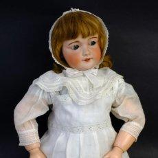 Muñecas Porcelana: MUÑECA ALEMANA FINALES SIGLO XIX CARA EN PORCELANA Y CUERPO EN CARTÓN PIEDRA CON OJOS DORMILONES-69. Lote 153701466