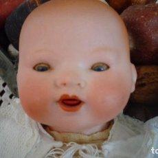 Muñecas Porcelana: PEQUEÑO BEBE DE 32 CTMS MARCADO MUM-GERMANY-500/B CUERPO DE TELA SIN ROTURAS, PORCELANA PERFECTA. Lote 159888218