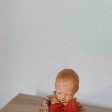 Muñecas Porcelana: ANTIGUI NINO CON SUS ANIMALITOS DE COLECION HECHO EN PORCELANA E PANO ANOS 30,40 MAD GERMANY. Lote 173107975