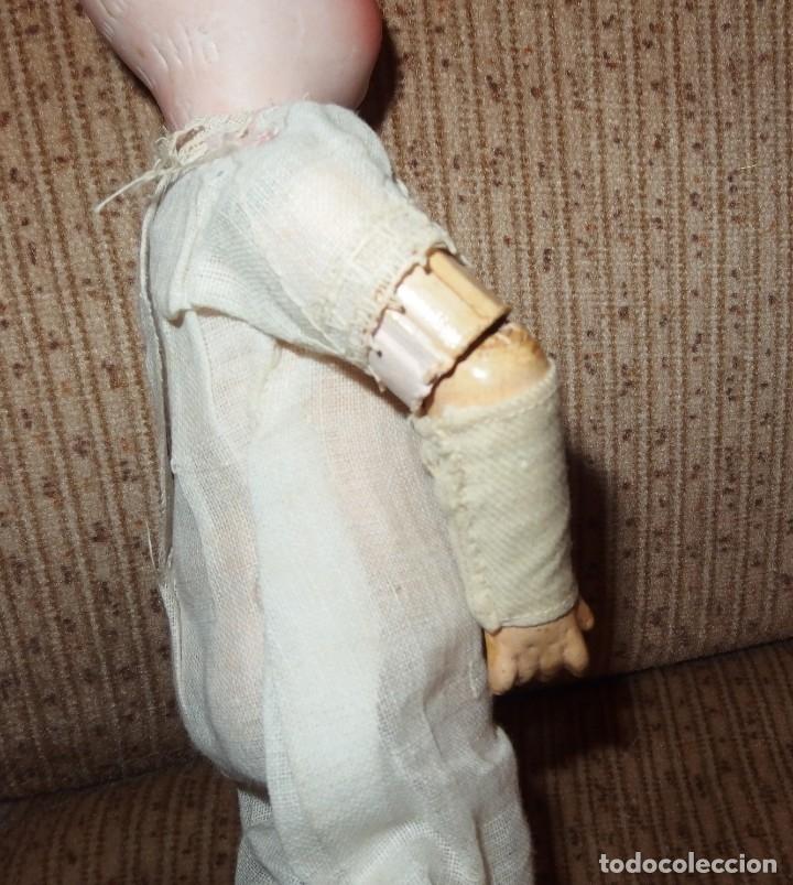 Muñecas Porcelana: PEQUEÑA MUÑECA GREBÜDER KNOCH,PORCELANA,GERMANY,201,ARTICULADA,25 CMS,CUERPO MARCADO,PPIO S.XX - Foto 19 - 176502427