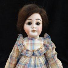 Muñecas Porcelana: PRECIOSA MUÑECA DE PORCELANA ALEMANA, R.DEP 8 S. ARTICULADA, CON ROPA ORIGINAL.. Lote 183945382