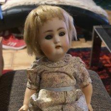 Muñecas Porcelana: PRECIOSA MUÑECA ANTIGUA DE PORCELANA MARCADA CON UNA ESTRELLA DE DAVID EN LA NUCA.. Lote 191164520