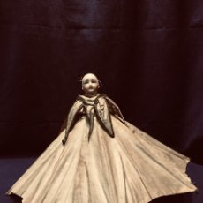 Muñecas Porcelana: SOMBRILLA REMATE MUÑECA CABEZA PORCELANA CASCABELES EMITE SONIDO S XIX 36X10CMS. Lote 191971650
