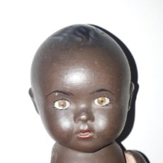 Muñecas Porcelana: MUÑECO NEGRITO CON OJO DURMIENTE DE CRISTAL. Lote 192951131