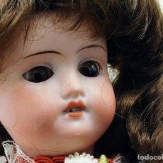 Muñecas Porcelana: C1900 - MUY ANTIGUA MUÑECA ALEMANA ARTICULADA CON OSITO - PELO NATURAL - MARCAS EN NUCA - VER FOTOS. Lote 194929052