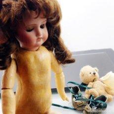 Muñecas Porcelana: C1890 - ANTIGUA MUÑECA ARTICULADA CON PELO NATURAL - MARCAS EN NUCA - ALEMANIA - VER FOTOS. Lote 194929052