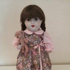 Muñecas Porcelana: MUÑECA ALEMANA MARCADA EN LA NUCA R & W 222 / 9 GERMANY. Lote 199195217