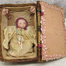 Muñecas Porcelana: MUÑECA GRACE S. PUTNAM CON CESTA Y ROPAJE ORIGINAL DE LA ÉPOCA.. Lote 221819215