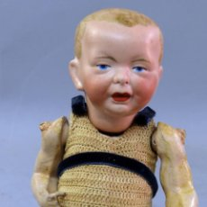 Muñecas Porcelana: BEBE TIPO KAISER CABEZA PORCELANA ALEMANA Y CUERPO MADERA ARTICULADA NUMERO 4 19 CM. Lote 222572618