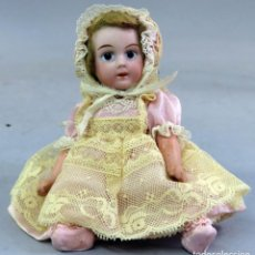 Muñecas Porcelana: MUÑECA CABEZA PORCELANA CUERPO COMPOSICIÓN 1910 ROPA ORIGINAL NUCA 18/0 12 CM ALTO. Lote 222678133
